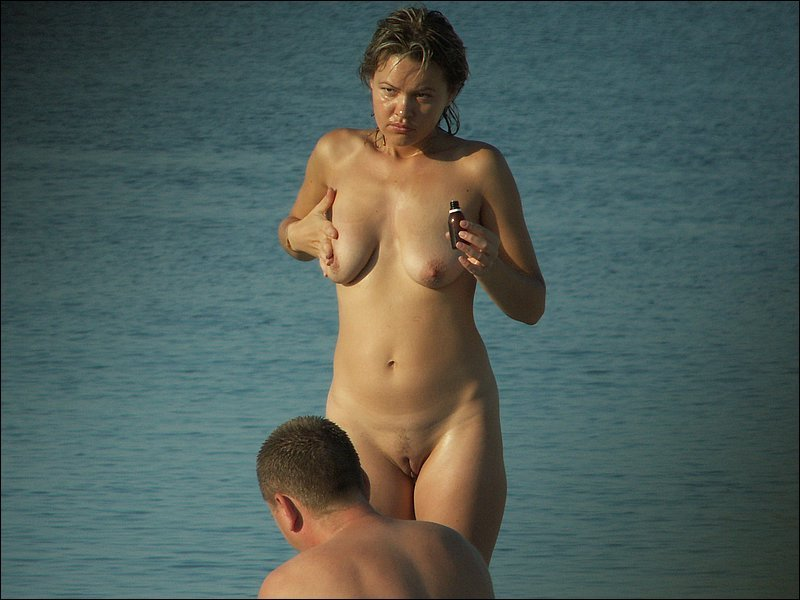 Nude hot lady exposed while rubbing her body